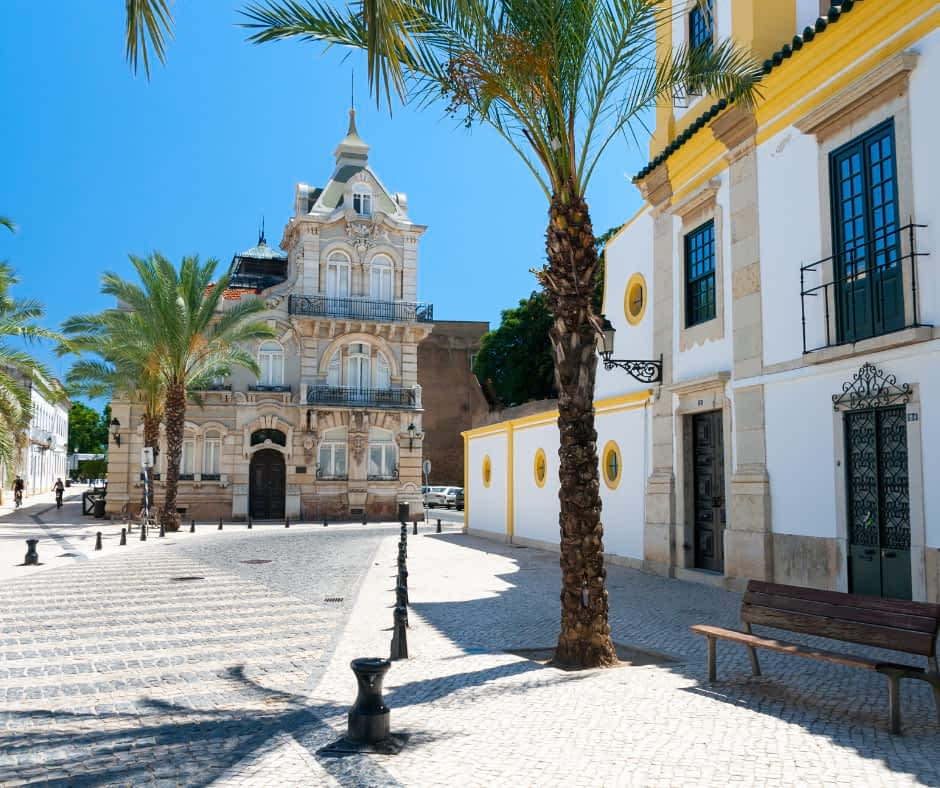 How to get from Lisbon to Faro