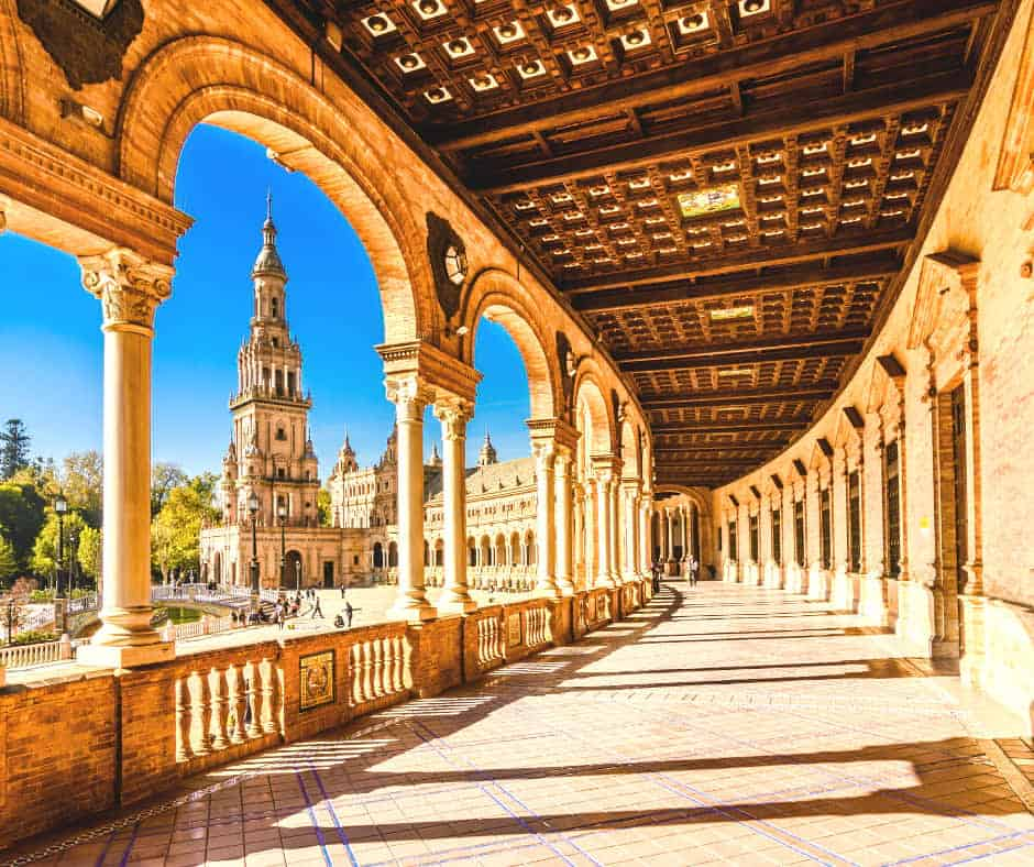 How to get from Malaga to Seville. Plaza de España Seville