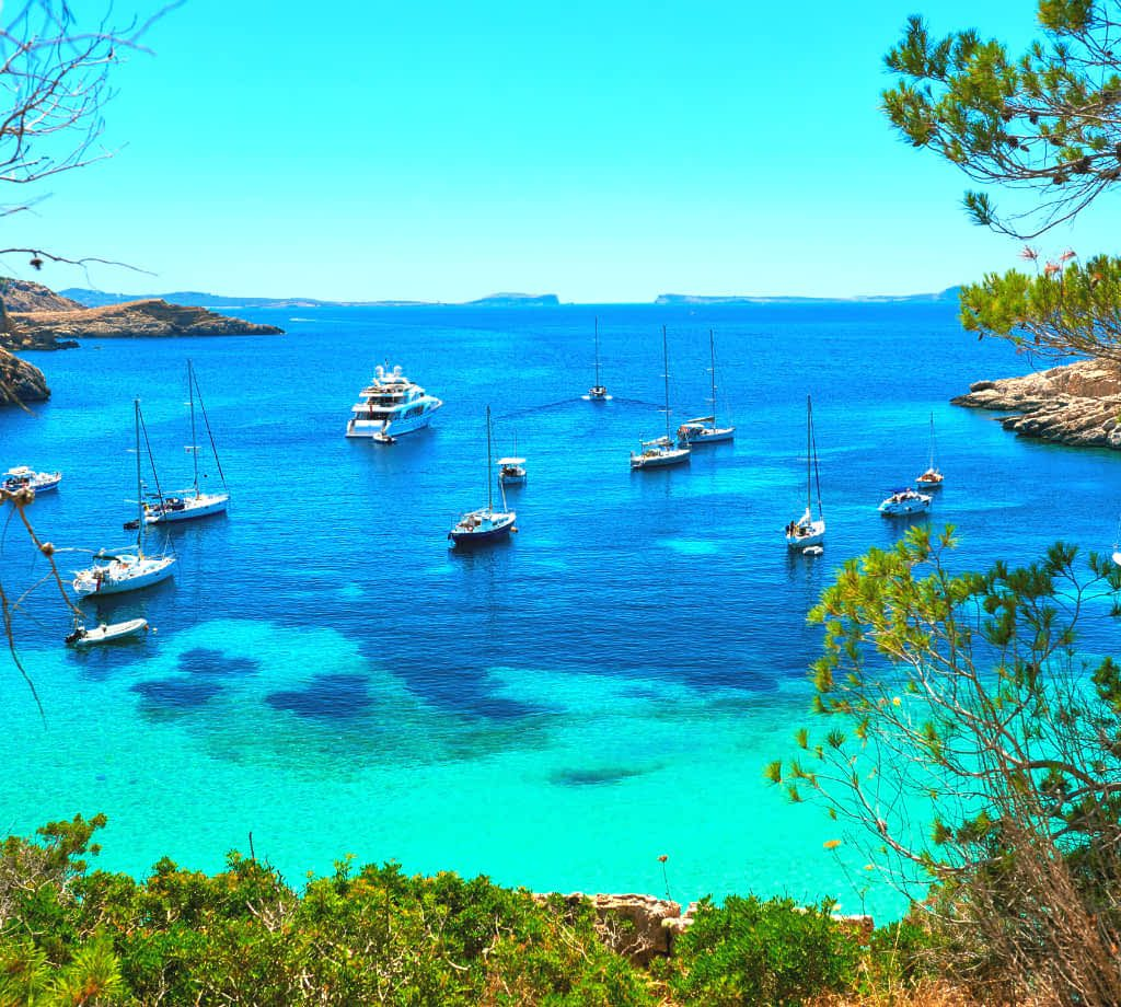 Cala Salada Lagoon © (By amoklv from Getty Images Pro) via Canva.com