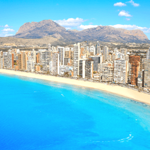 How to get from Alicante to Benidorm