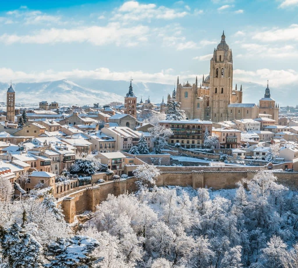 How to get from Madrid to Segovia