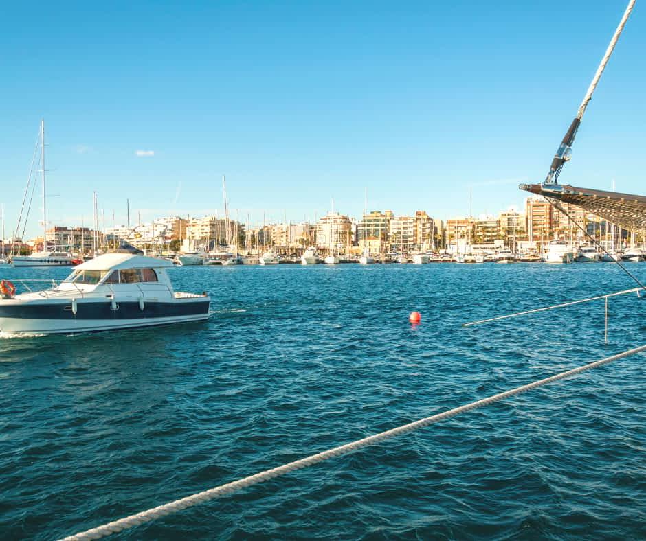 Torrevieja Yacht Club - © (By katkov from Getty Images) via Canva.com