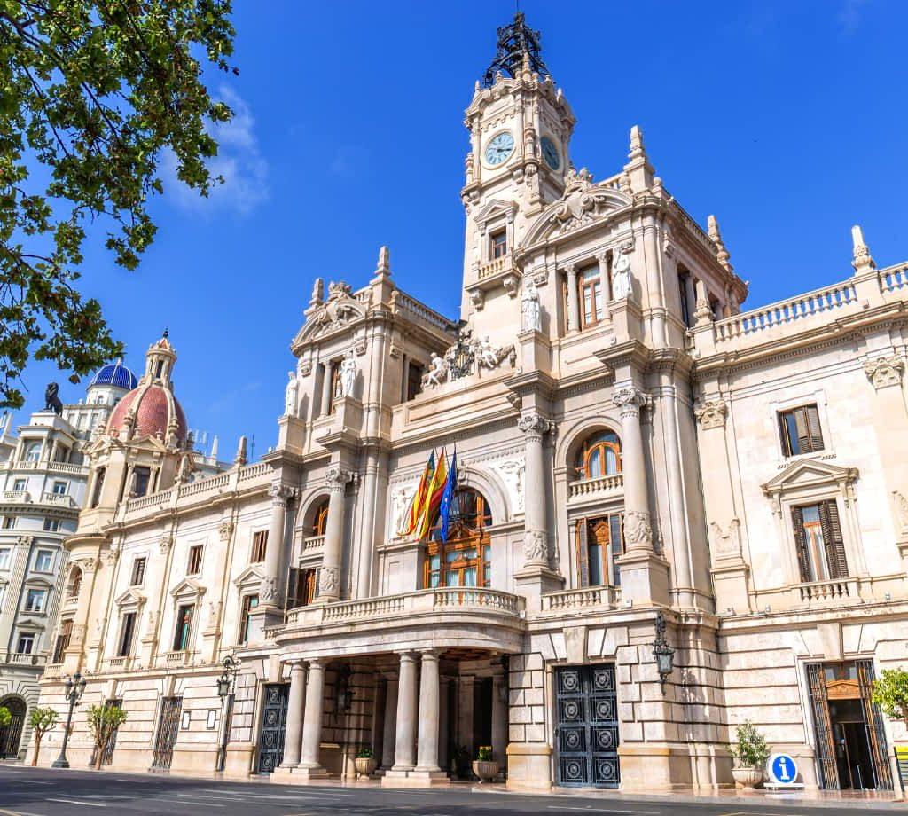 Valencia City Hall © (By photocluster) via Canva.com