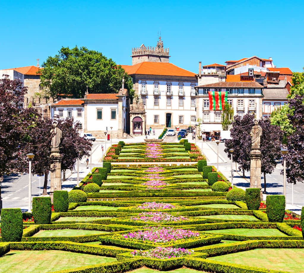 How to get from Porto to Guimaraes, Portugal