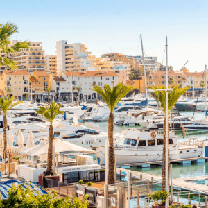 The best ways to travel from Faro to Vilamoura
