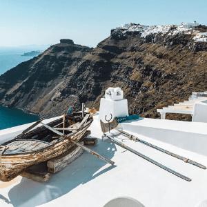 9 Epic Reasons to visit Santorini Greece
