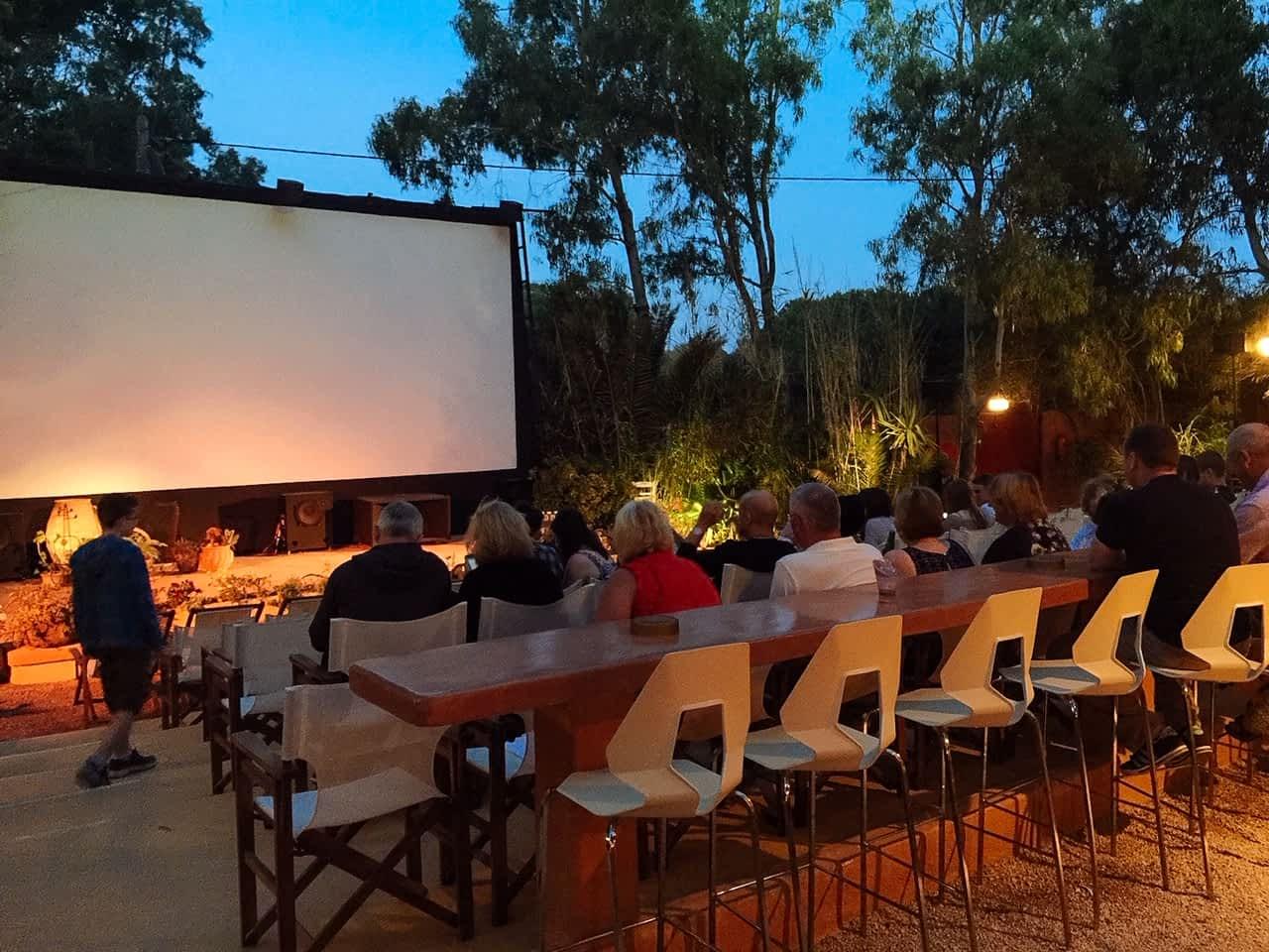 Reasons to visit Santorini - Outdoor Cinema