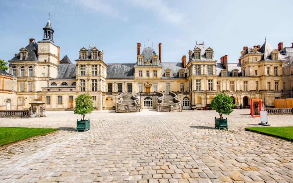 10. Château de Fontainebleau