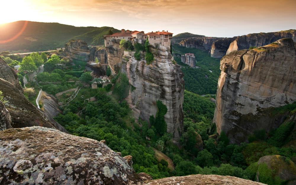 11 Famous Greek landmarks - Meteora
