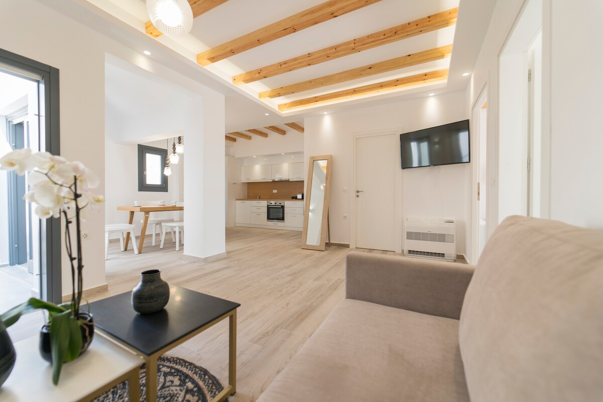 14. Spacious Apartment with Jacuzzi & Rooftop Terrace
