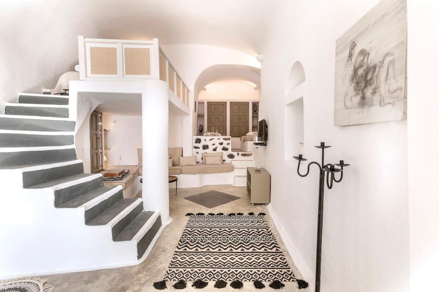 2. Beautiful Traditional Home in Santorini - Airbnb Santorini