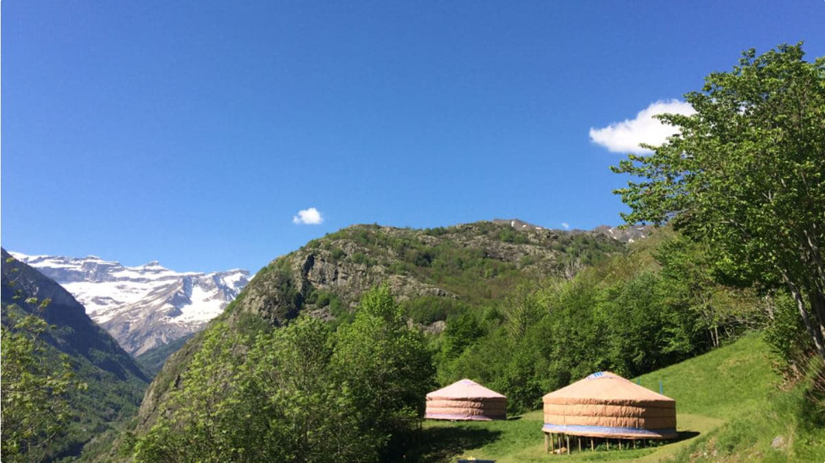 2. Yourtes Mongoles Gavarnie - Glamping in France