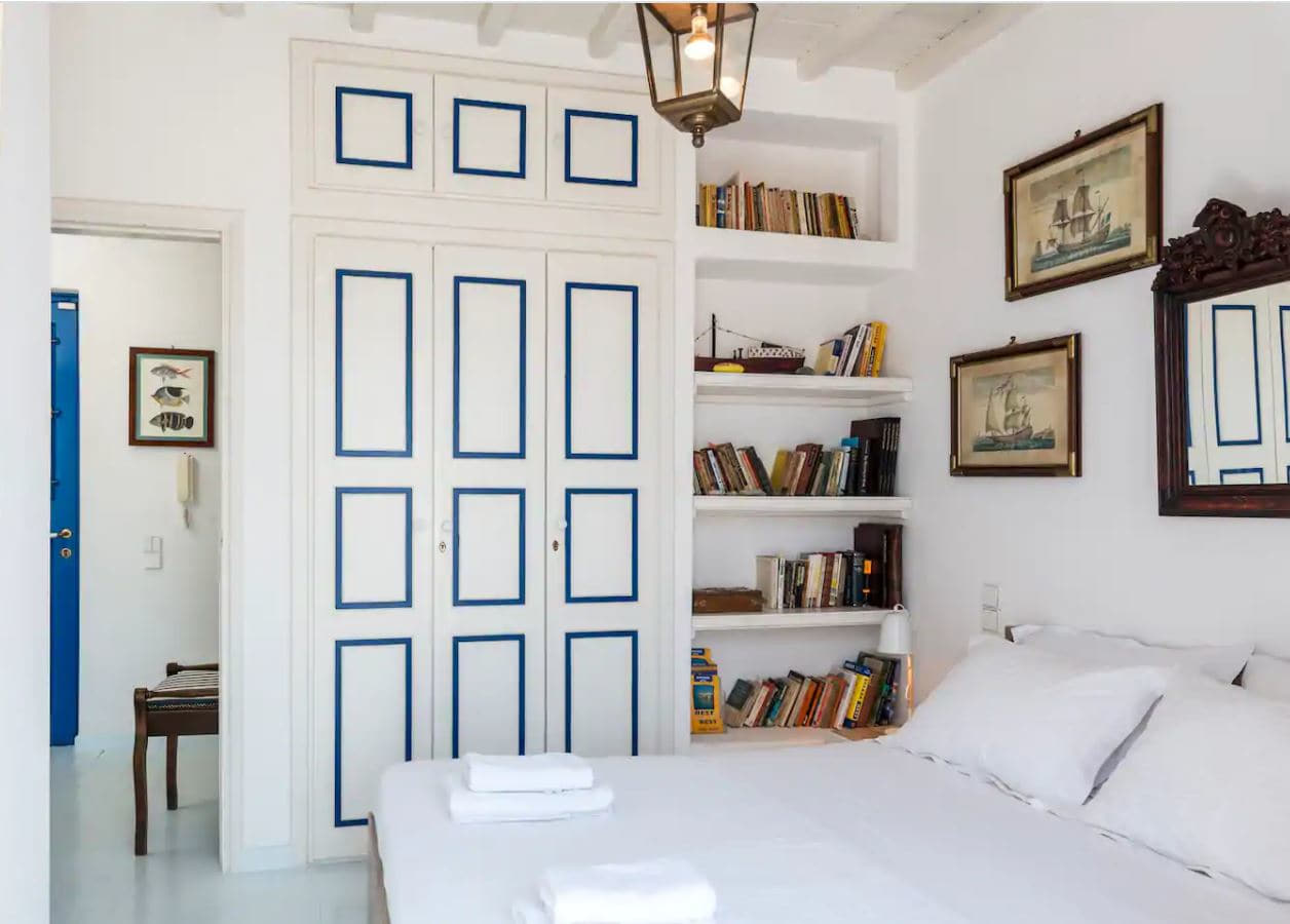 7. Central Townhouse With Incredible Views Over Mykonos