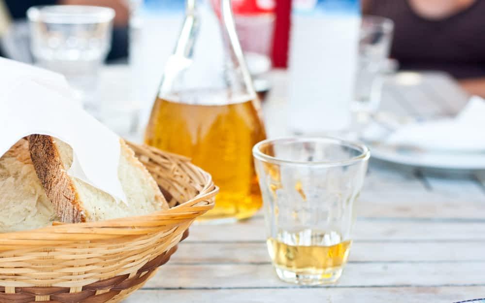 Greek wines - Retsina Wine