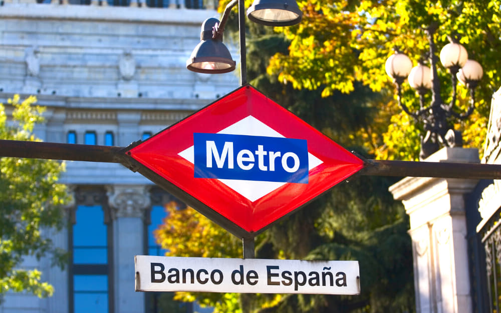 Madrid Metro - Move to Spain - Transport - © Photo by FernandoAH from Getty Images Signature by Canva
