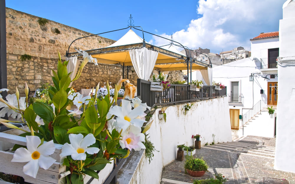 Monte Sant'Angelo, towns in Puglia