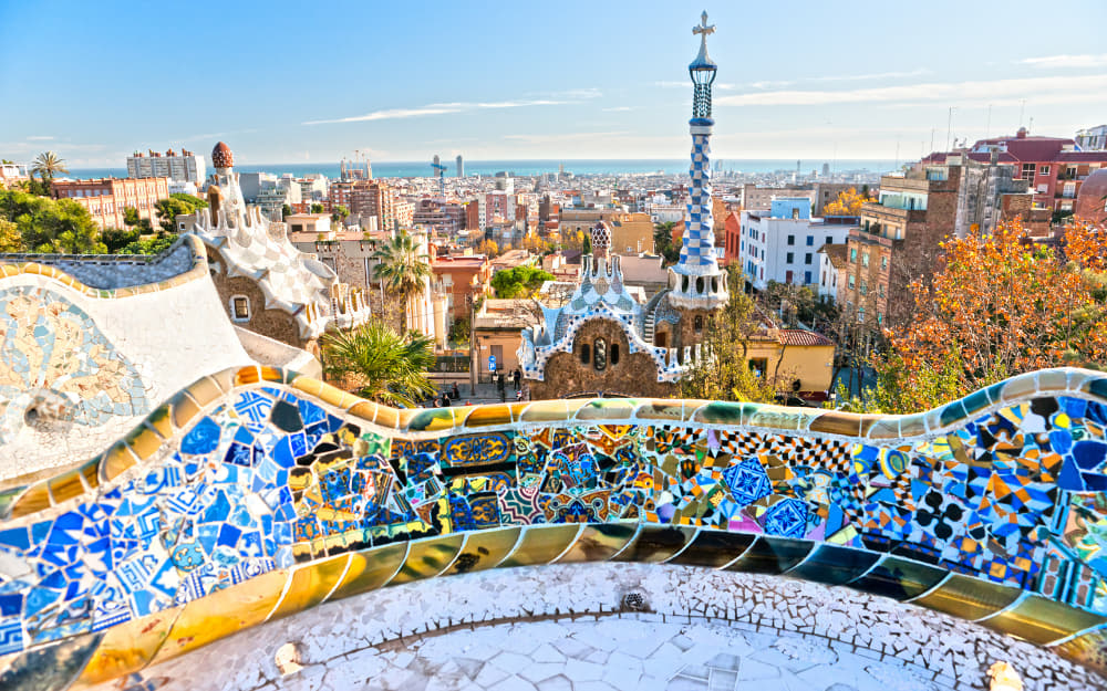 Park Güell Barcelona © Photo by MasterLu from Getty Images Pro by Canva