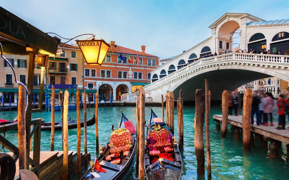 Rialto Bridge in Venice Italy landmarks