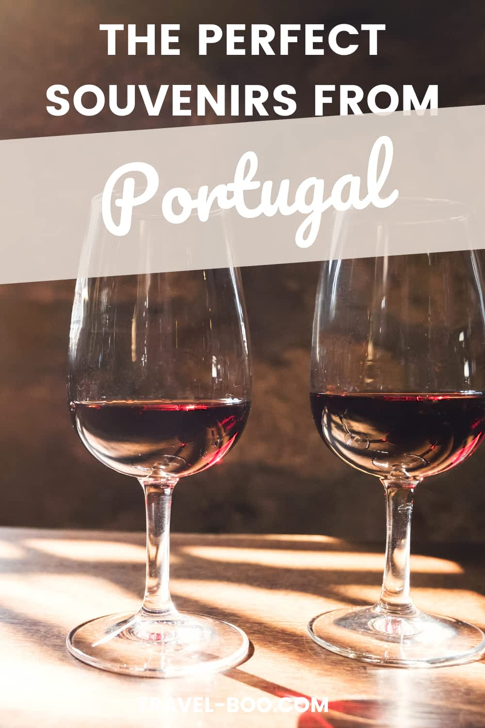 10 Top Portuguese Souvenirs - What to Buy in Portugal! Portugal Travel Guide, Portugal Travel Souvenirs, Portugal Travel Tips, Portugal Itinerary. #portugalsouvenirs #portugaltravel #portugaltraveltips