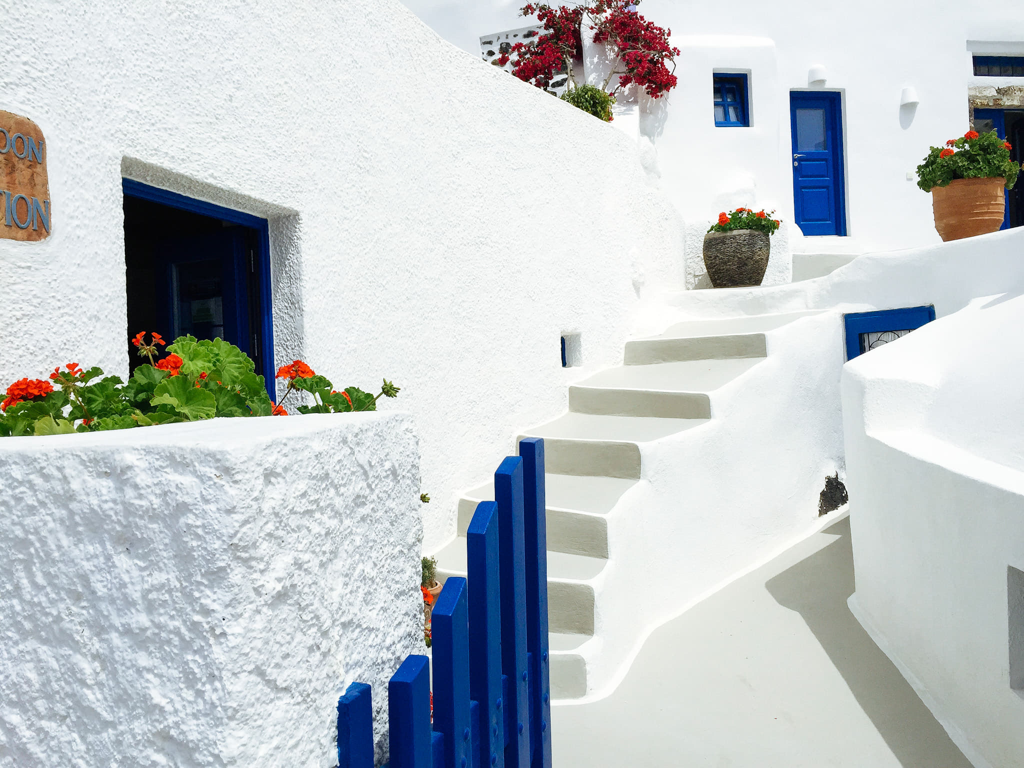 Where to stay in Santorini - Best Areas