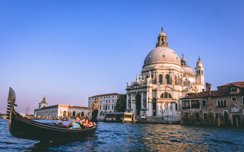 Venice Italy - Quotes About Venice © Image Courtesy of Chait Goli from Pexels by Canva