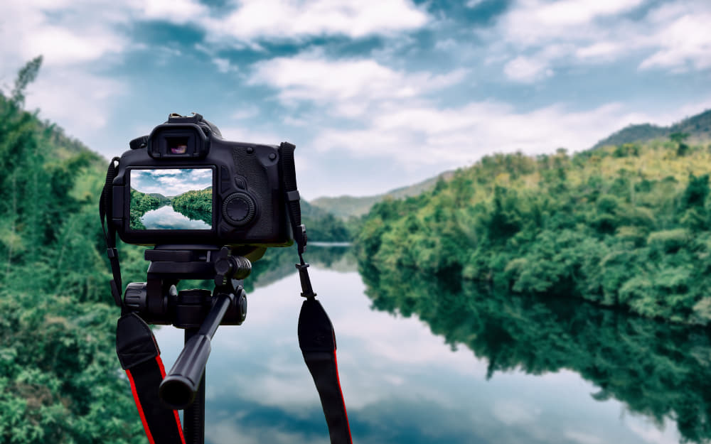 10 Of The Best Cameras For Bloggers, Vloggers, And Travellers! © Image Courtesy of sompong_tom from Getty Images Pro by Canva