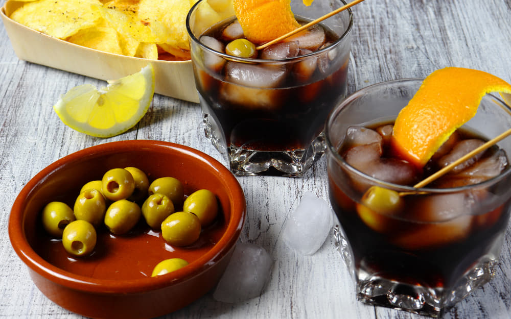 Vermut © Photo by Miguel Garcia Garcia from Getty Images by Canva