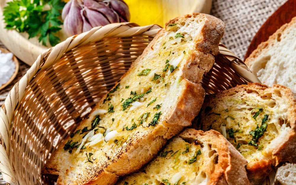 Bruschetta © Image Courtesy of apomares from Getty Images Signature by Canva